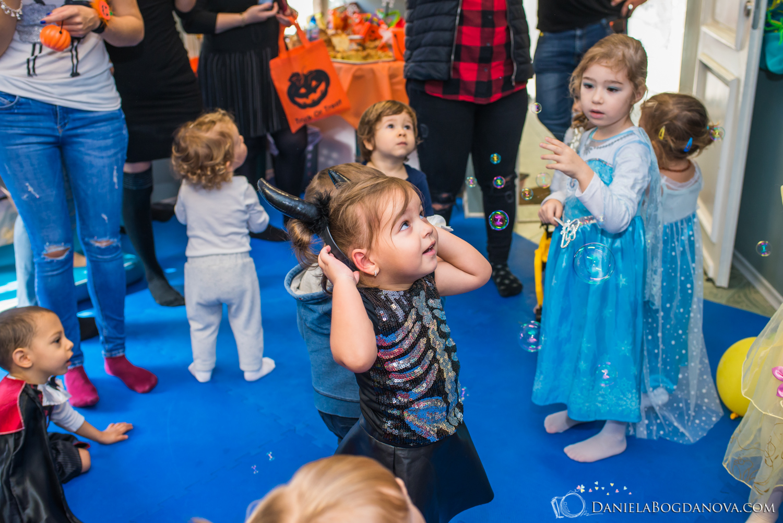 2018-10-28 Halloween Party Kindyroo WEB-80